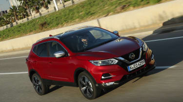 Nissan Qashqai - front tracking