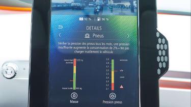 Renault EOLAB - infotainment screen