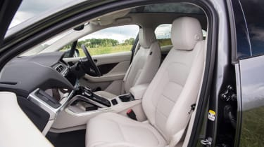 Jaguar I-Pace - front seats