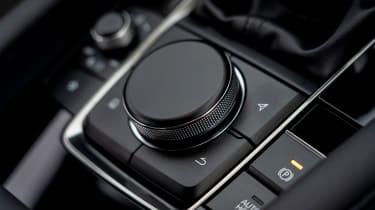 Mazda 3 saloon - dial