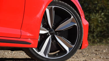 Audi RS 4 - wheel