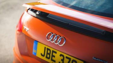 Audi TT Coupe - spoiler