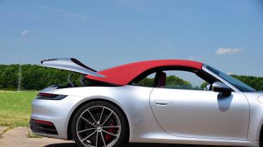 Porsche 911 Cabriolet - roof closing