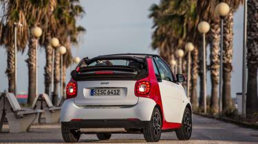 Smart ForTwo Cabrio 2016 - rear quarter