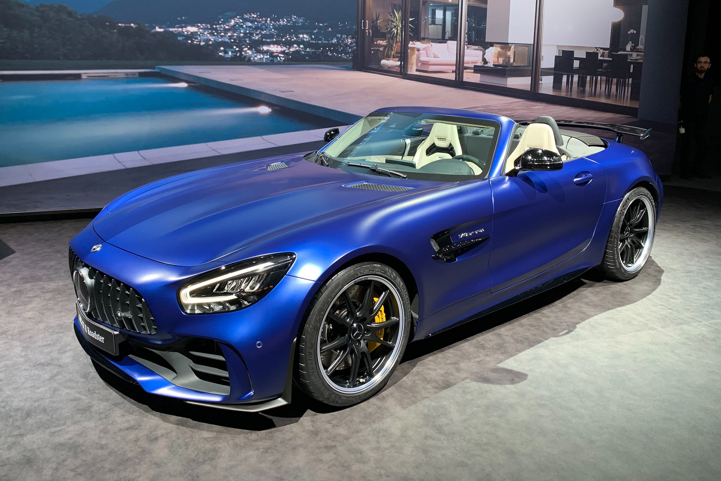 Mercedes Amg Gt R Roadster Prices Announced For 577bhp Droptop Auto Express