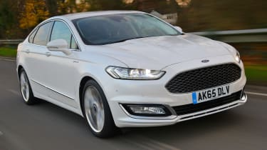 Ford Mondeo Vignale - front twilight