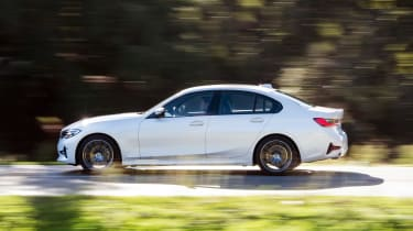 BMW 320d - side action