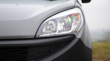 Fiat Doblo Cargo van 2015 - headlights