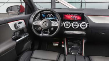 Mercedes-AMG GLA 35 - dash