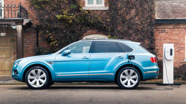 Bentley Bentayga Hybrid - charge