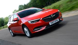Vauxhall Insignia Sports Tourer - front action