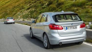 BMW 225xe - rear