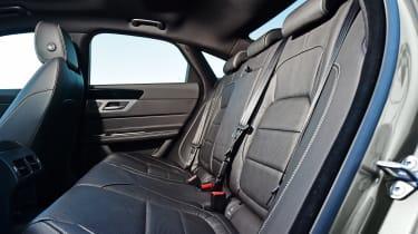 Jaguar XF - rear seats