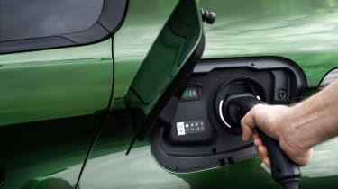 Peugeot 308 - charging