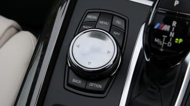 BMW X5 M50d toggle