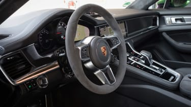 Porsche Panamera GTS - interior