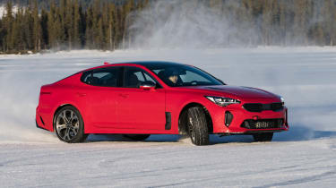 Kia Stinger GT prototype - side action