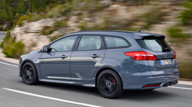 Ford Focus ST Estate 2015 action