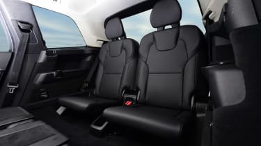Volvo XC90 T8 - back seats