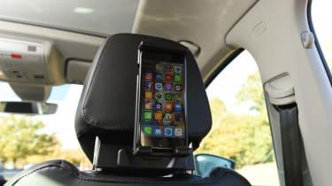 Skoda Karoq - smartphone holder