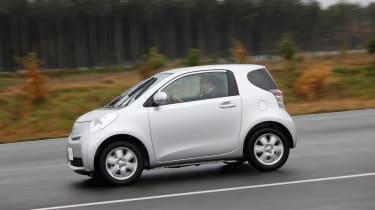 Toyota iQ EV profile