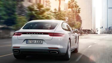 Porsche Panamera 4 E-Hybrid 2016 - rear tracking