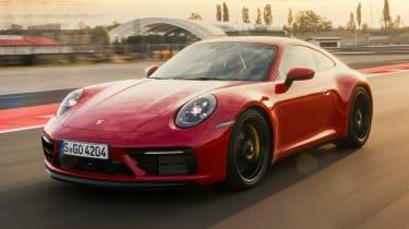 Porsche 911 GTS - front tracking