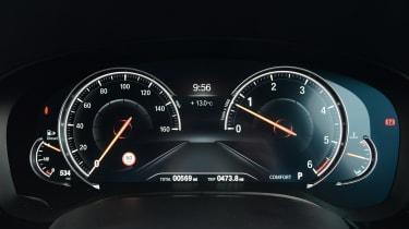 BMW 6 Series GT - dials
