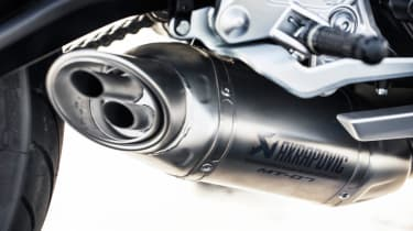 Yamaha MT-07 review - exhaust