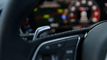 Audi RS 4 Avant - paddle