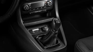 Ford Ka+ - gearlever