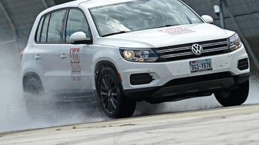 Tyre Test 2019 - wet braking