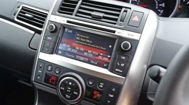 Toyota Verso - centre console