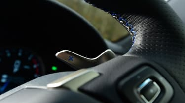 New Lexus GS F 2016 - paddle shifter