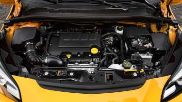 Vauxhall Corsa GSi - engine