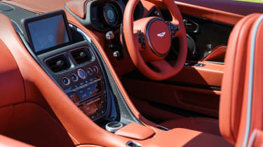 Aston martin Henley Royal Regatta DB11 Volante  interior