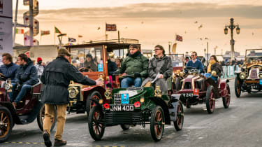 London to Brighton Veteran Car Run  -  steve end finish