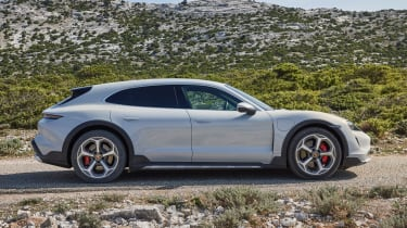 Porsche Taycan Cross Turismo - side