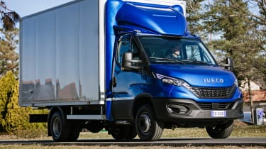 IVECO Daily Cab Box - front tracking