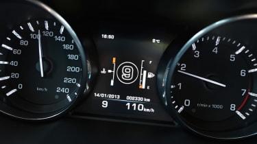 Range Rover Evoque nine-speed dials