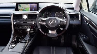 Lexus RX L - dash