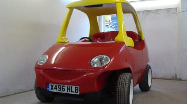 Cosy Coupe replica front