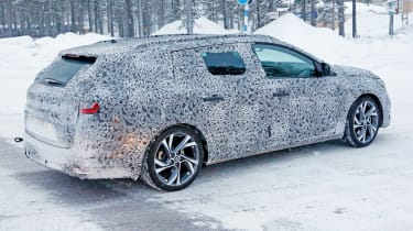 Renault Megane estate - rear testing