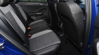 Volkswagen T-Roc R - rear seats