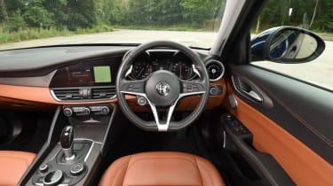 XE vs Gulia vs A4 - Gulia - cockpit