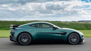 Aston Martin Vantage F1 Edition - side