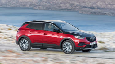Vauxhall Grandland X Hybrid4 - side action