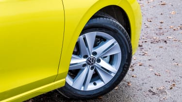 Volkswagen Golf - wheel