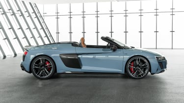 Audi R8 Spyder - studio side