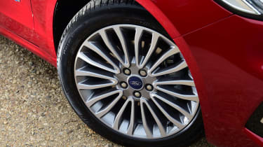 Ford Mondeo Hybrid Estate - wheels